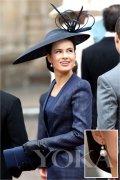 看欧洲王室的珍珠搭配圣经